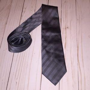 Donald Trump Signature Collection Gray Silk Tie